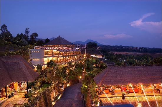 Makan Malam Romantis Bandung