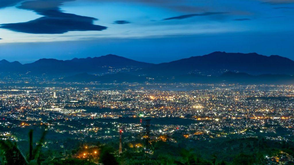 Makan Malam Romantis di Bandung