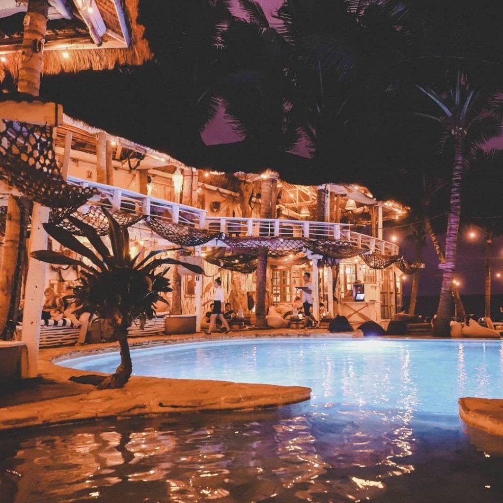 Sawah Hingga Pantai: 10 Rekomendasi Tempat Nongkrong Di