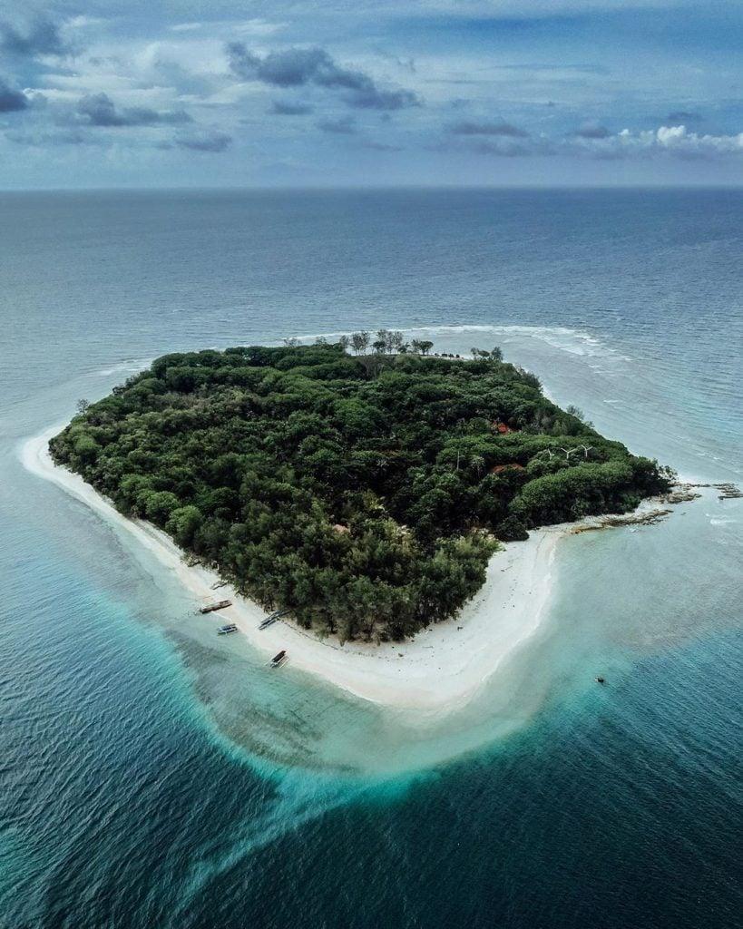 Pantai Gili Nanggu, Pantai Mungil dengan Keindahan Luar Biasa di Lombok Barat