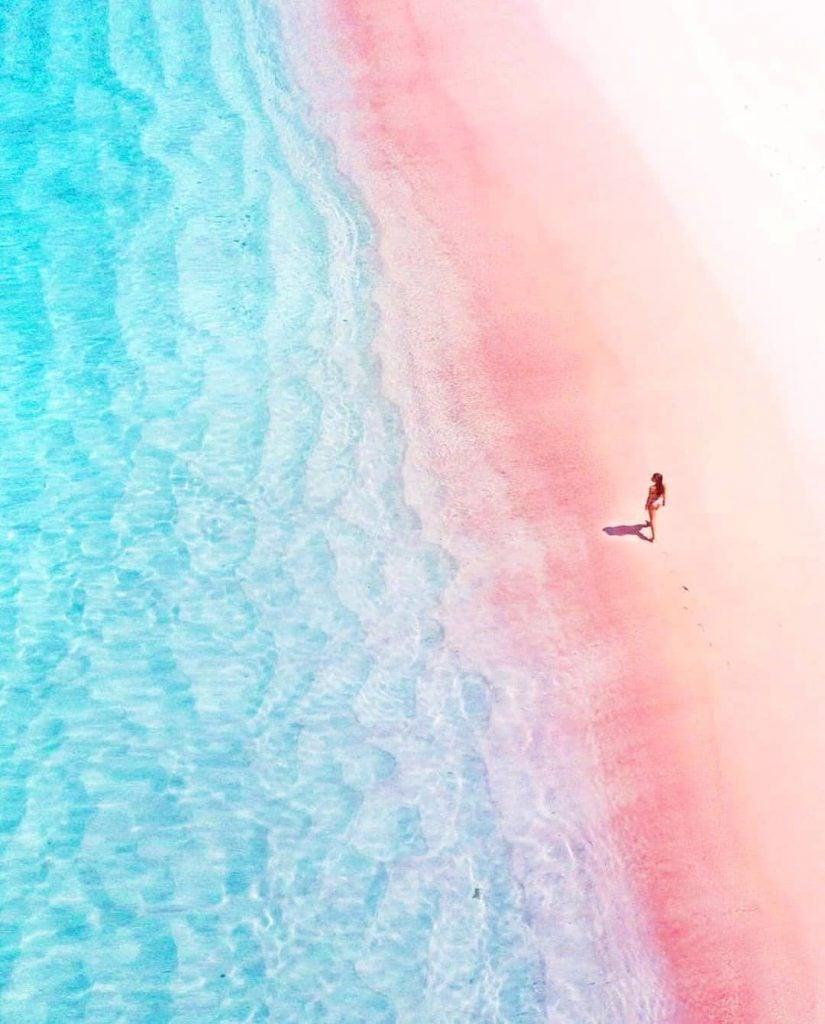 Pantai Tangsi/Pink Beach Komodo, Pantai Pasir Pink Super Cantik di Lombok