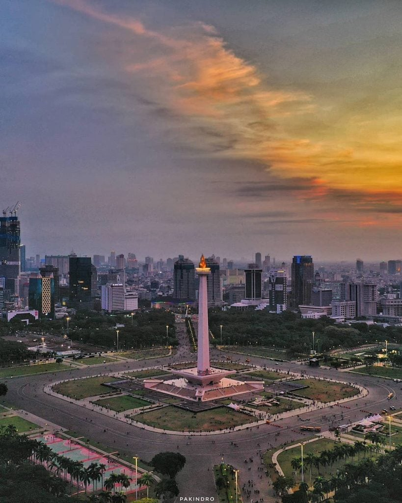 Lapangan Monas, Rekomendasi Lapangan dan Tempat Olahraga yang cocok untuk kencan dan pacaran sambil menikmati pusat kota Jakarta