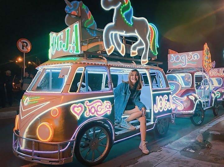 Wisata malam di Alun-Alun Kidul Jogja