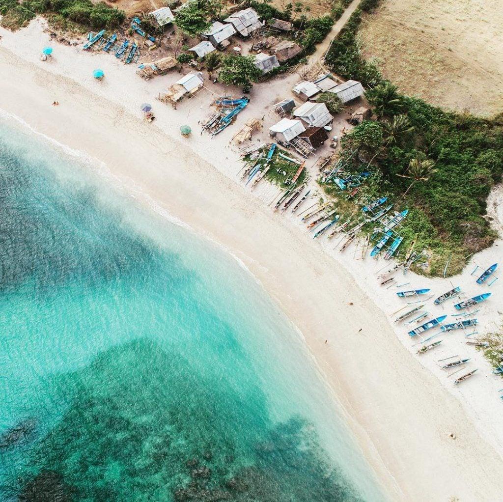 Menikmati suasana pantai selatan Lombok (Kuta, Tanjung Aan, Selong Blanak, Mawun, Seger)