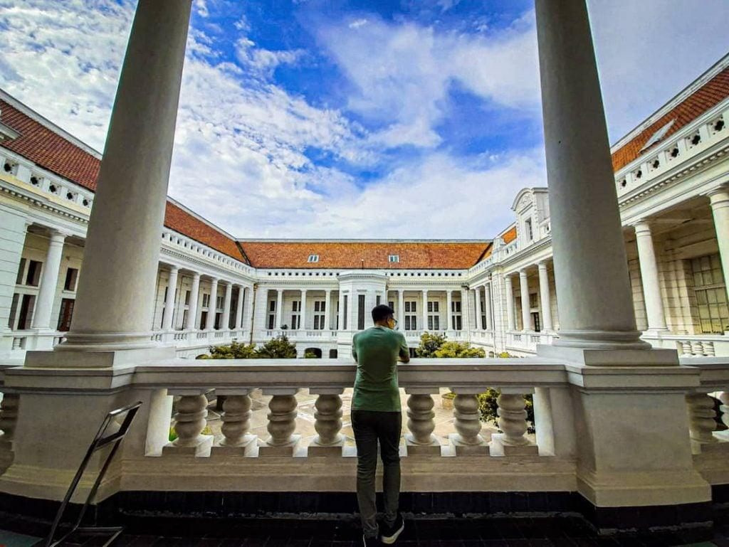 Museum Bank Indonesia  Museum dengan suasana modern yang cocok untuk pacaran dan kencan di Jakarta sambil belajar tentang sejarah uang dan perbankan Indonesia