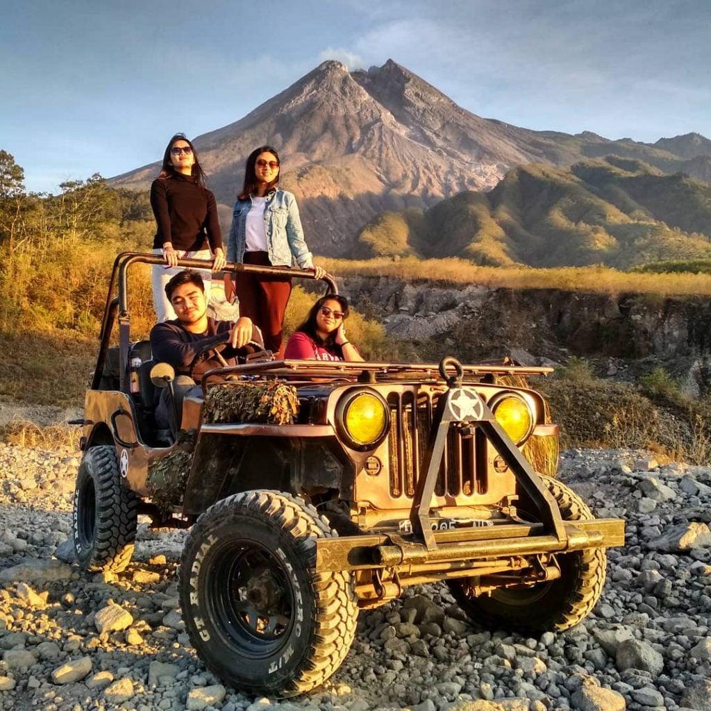 Berpetualang di Lereng Gunung Merapi