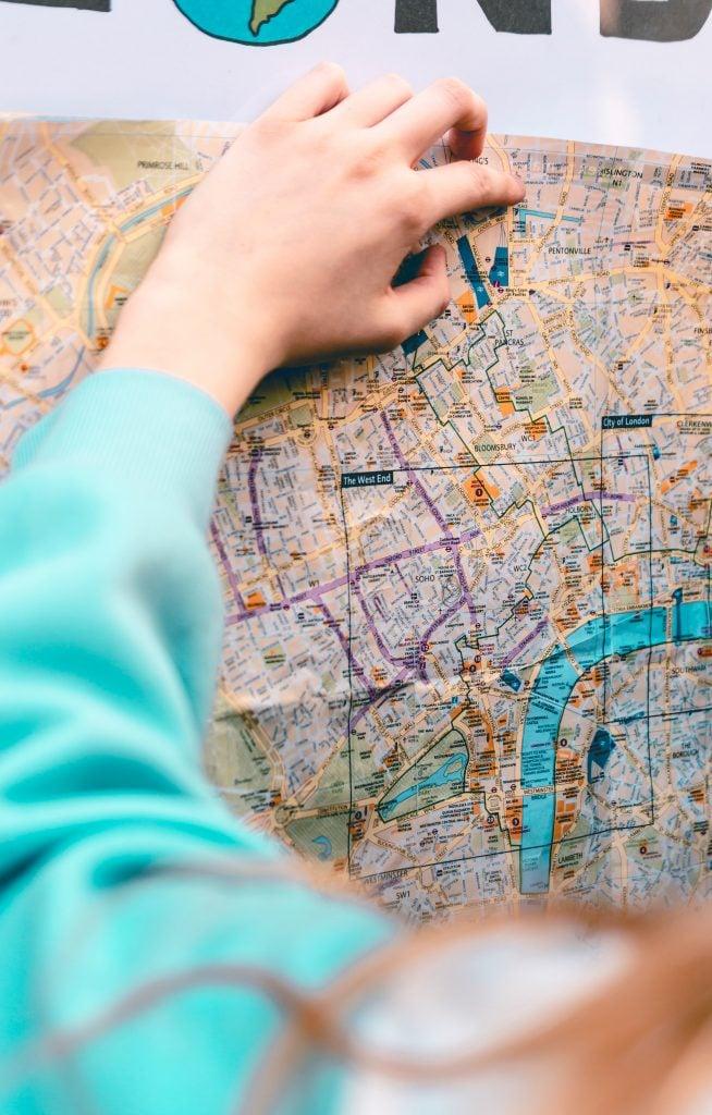 Tips Traveling Aman untuk Perempuan