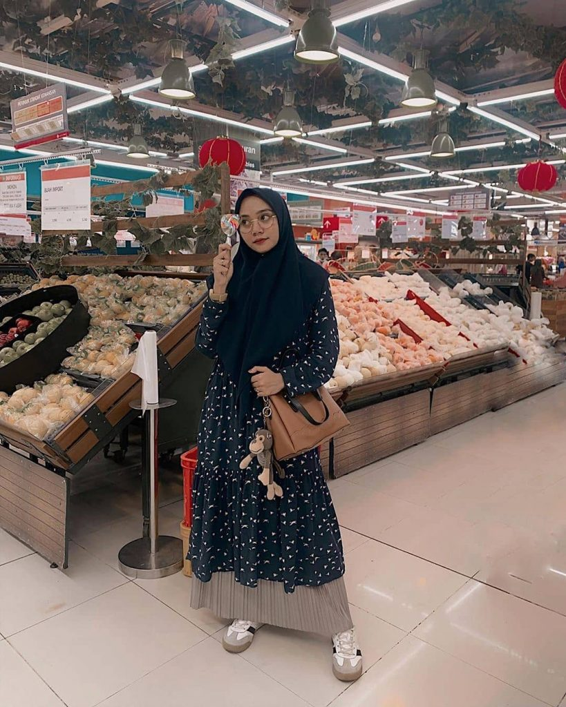 Buat para hijabers yang menggunakan hijab panjang ataupun hijab model syar'i