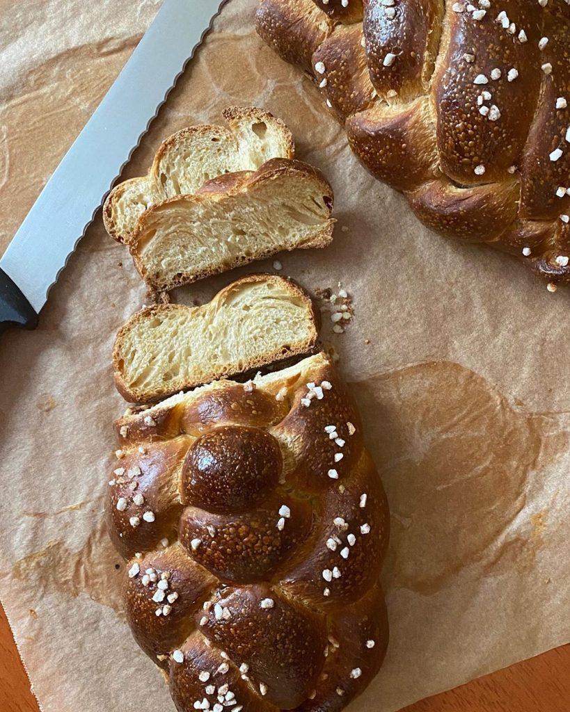 Kue/Roti, Cemilan yang Cocok sebagai Teman Work from Home