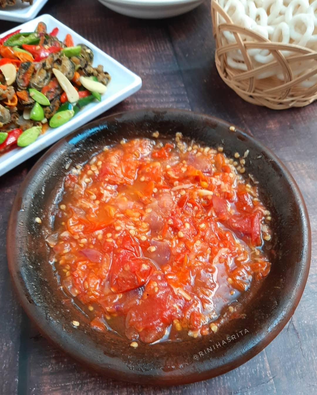 Resep Sambal Tomat Yang Bikin Makin Nafsu Makan