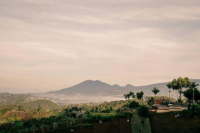 Potret Keindahan Bukit Moko, Wajib Dikunjungi!
